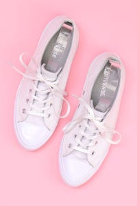 CONVERSE - low-top sneakers mit logo-prägung -