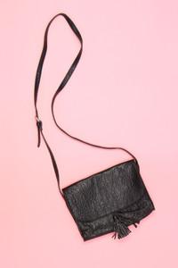 MANGO - faux leather-crossbody bag/tasche mit quaste - ONE SIZE