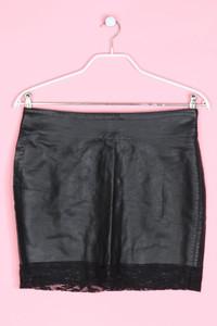 AMISU - faux leather-mini-rock mit spitzen-einsatz - D 40