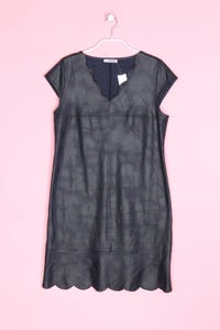 Carnaby - faux leather-kleid mit muschelsaum - D 40