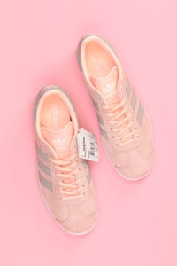 adidas - wildleder-low-top sneakers mit logo-print -