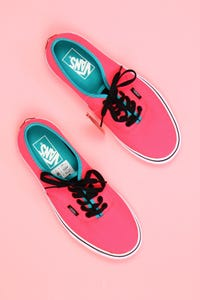 vans - neon-low-top sneakers mit logo-badge -