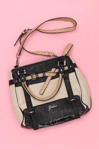 GUESS - Handtasche mit Faux Leather-Details