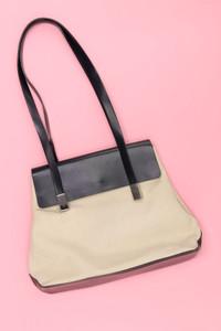 Umhänge-Tasche mit Leder-Details